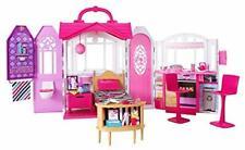 Barbie CHF54 - Glam Ferienhaus, portables Puppenhaus mit 3 Zimmer, 20+ Zubehö...