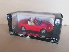 246H New-Ray 51686 Maserati Spyder 2002 Rouge 1:32