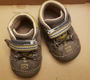 Stride Rite Duke size 3M Baby shoes