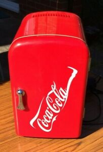 Coca-Cola Red Mini Cooler/Fridge. Model NWC4C USED