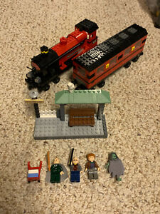 Lego Harry Potter Hogwarts Express #4758  Complete w/Minifigs