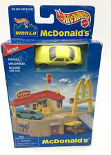 NEW Vgt 1996 Hot Wheels WORLD Mcdonalds Restaurant Playset with Yellow Car i/331