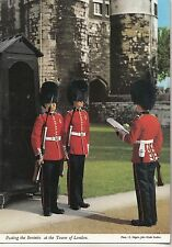 BF25076 posting the sentries at the towe london  united kingdom front/back image
