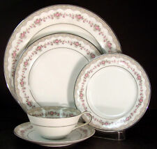Noritake Glenwood 5770 Five Piece Place Setting(s)