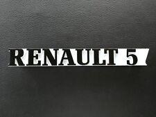 UNEDESAUVEE MONOGRAMME RENAULT 5 BLANC NOIR GT TURBO LOGO COFFRE, HAYON ARRIÈRE
