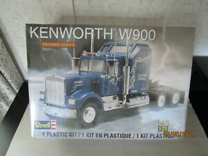 Revell, 1:25 Scale, 85-1507, Kenworth W900 Kit, Mint in OB.