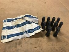 Lot of 10 -- NEW, GENUINE OEM -- GM 14012679 Wheel Lug Stud
