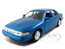 1998 FORD CROWN VICTORIA BLUE 1/24 DIECAST MODEL CAR BY MOTORMAX 76102