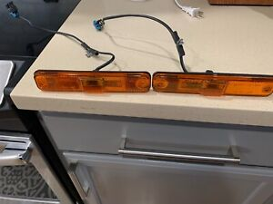 HUMMER H2 FRONT SIDE FENDER MARKER LIGHTS LAMP OEM 2003 - 2009 ✔