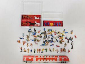 CL471-0,5# Preiser H0 Figuren ca. 95 Stück:  Pferde + Postbeamte + Passanten etc