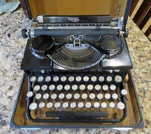 Antique 1935 Royal  Vintage Portable Typewriter #A381630