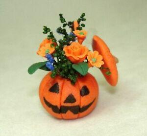 Dollhouse Halloween Pumpkin Jack O' Lantern Flower Arrangement  1:12 Miniatures