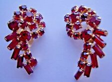 *** [SR] Pair of Vintage Weiss Clip-On Gold Tone & Faux Ruby Earrings ***