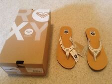 Roxy Upper Leather White Studded Flip Flops with Roxy Badge,Tagged New.(S 36/37)