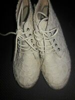 Not Rated Girls  White  lace Youth Dress Shoes 1 Medium  NRK1055-290