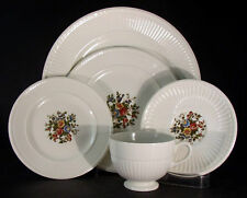 Wedgwood Conway AK8384 Five Piece Place Setting(s)