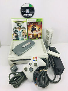 Microsoft Xbox 360 White Game Console With Power Cord , AV Cables and Games