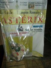 Asterix-Statuette Plastoy-Romain-Neuve+Fascicule-Année 2002-Numéro 11