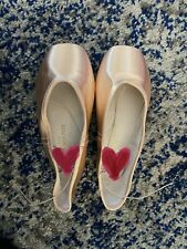 gaynor minden pointe shoes 8M