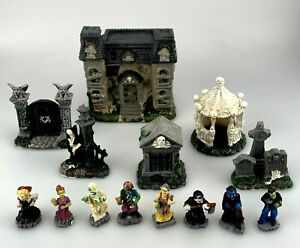 Tombstone Corners Halloween Village Set Spooky Town Characters & Buildings 14 pc