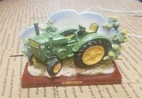 Tractor John Deere With Light  Golden Valencia Collection Plug in