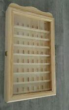 Vitrina de madera expositor para dedales, dedalera con puerta de cristal 54x30cm