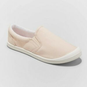 Women's Mad Love Kasandra Wide Width Slip On Canvas Sneakers Blush Size 10W