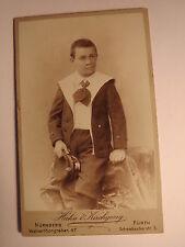 Nürnberg - Fürth - 1898 - stehender Junge in Matrosenanzug - Mütze in Hand / CDV