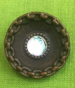 ANTIQUE VICTORIAN BUTTON 1 1/4'' MOTHER OF PEARL CENTER