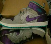 Kids Jordans sneakers Size 3
