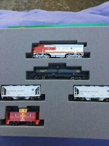 N Kato scale model train set Santa Fe #1
