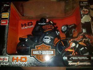 Maisto Radio Controlled Harley Davidson XL 1200N Nighster.