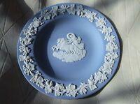 ELEGANT WEDGWOOD BLUE WITH WHITE GRAPEVINE RELIEF JASPER PIN DISH AURORA HA #1