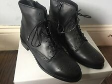 Steve Madden Women's Boots - Size 8 - NEVER WORN - Emelia Black Leather Style