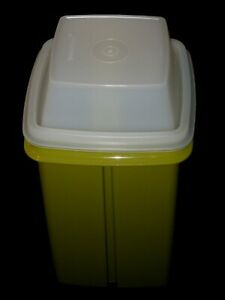 Vintage - TUPPERWARE PIC -A- DELI KEEPER (or Olives) Avocado Color (New in bag)