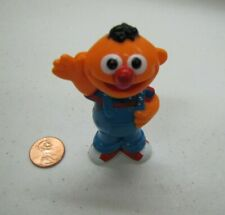 "Sesame Street ERNIE WAVING PVC Figure HASBRO Cake Topper Toy 3"" Henson"