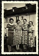 Foto-Stuttgart-Gebäude-Architektur-Frauen-Kleid-Cute-Women-Dress-1930er Jahre-1