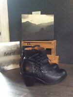 CHIO Black Leather Zip Side LaceUp Ankle Boots EURO 41 PreOwned