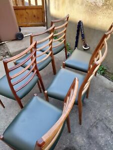 Niels Moller Model 82 Rosewood Chairs - set of six. Mid century dining chairs.