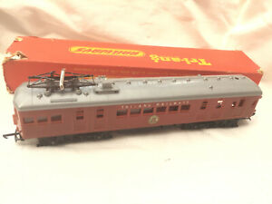 TRIANG R452 AUSTRALIAN NSWR SUBURBAN ELECTRIC DUMMY UNIT WITH PANTOGRAPH RARE !!