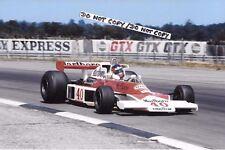 9x6 fotografia Gilles Villeneuve, McLaren F1-Cosworth M23, British GP 1977