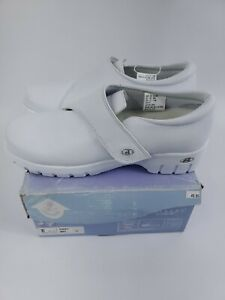 Rockers by Cherokee Women's Poppy Work Nursing Shoes White Size 11 M
