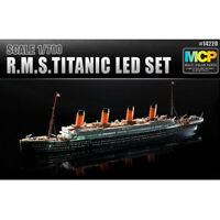 Academy 1/700 R.M.S TITANIC Led Set MCP (Multi Color Kit) Model Kit 14220