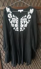 ASOS Petite Womens Black Pleated Top Size 10 beautiful white lace design RRP $89