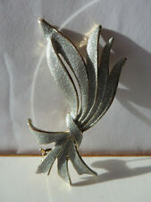 tone edged Bow Brooch Silver-grey glitter and gold