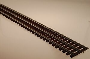 "Gargraves 502F Standard Gauge 3 Rail Stainless 37"" Wood Tie Flex Track"