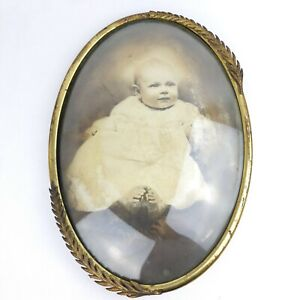 Antique Picture Frame Baby Convex Bubble Glass Ornate Oval Gold Metal 14 x 20