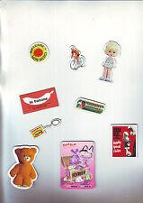 lot de 9 magnets aimantés pour deco : cyclste - poupée - porte clef - ....