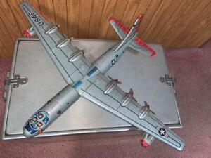 RARE 1950 USAF CONVAIR B-36 BOMBER AIRPLANE TIN FRICTION TOY JAPAN YONEZAWA