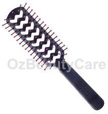 Cricket FastFlo Black Static Free Styling Brush #702